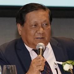 プリミティボ C.カル <br> フィリピン大学教授
