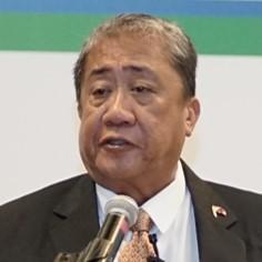 アーサー P. ツガデ<br> フィリピン運輸大臣
